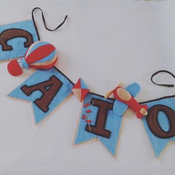 Varal de Bandeirinhas Caio - 4 letras e 3 personagens