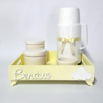 Kit higiene bebê com garrafa e bandeja
