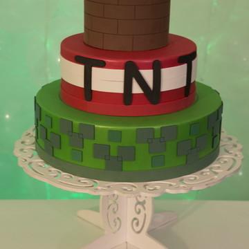 Locação Bolo Fake / Decorativo Minecraft