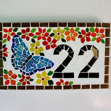 Número apartamento em mosaico borboleta