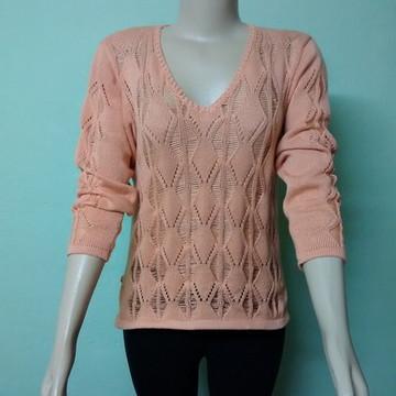 786f7b2117 Blusa de linha em tricô rendada