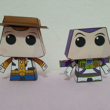 Paper toy woody e buzz