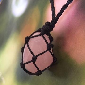 Colar Hippie Com Pedra Quartzo Rosa