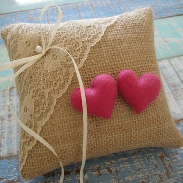 Porta alianças rústico corações