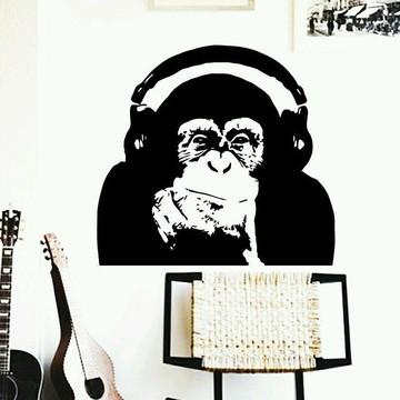 Adesivo de Parede Macaco Ouvindo Música