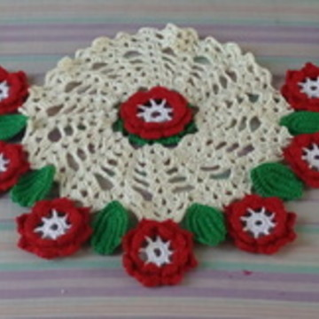 Trilho de mesa de crochê com flores