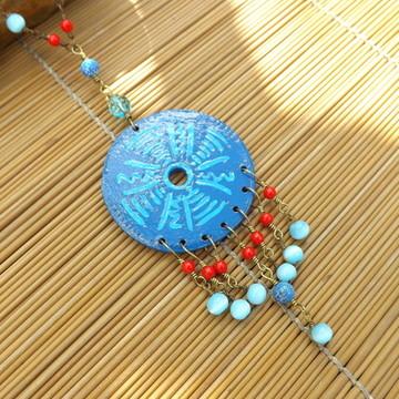 colar mandala azul