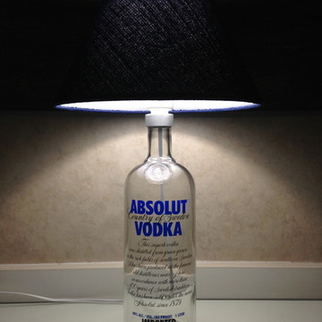 Abajur de Garrafa de Vodka Absolut