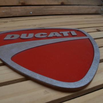 Placa Em Alto Relevo Ducati em MDF