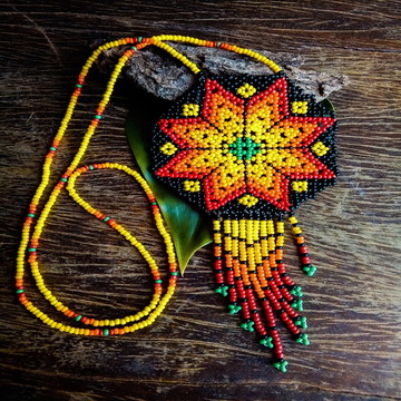 Colar de Miçangas Mandala Huichol