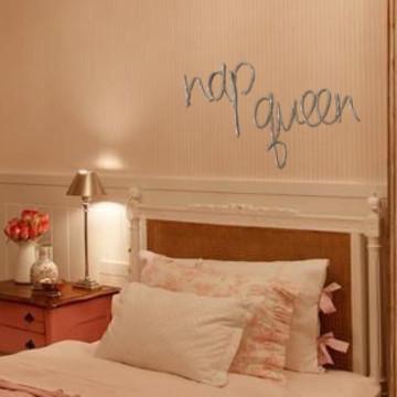 Frase de parede (em arame) - Nap Queen