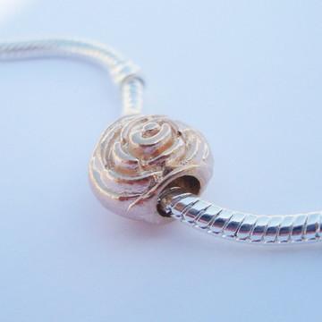 Berloque Banh Ouro Rose BOTÃO Rosa A1