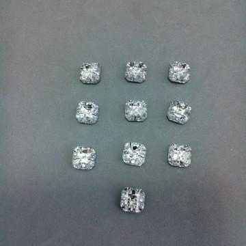 Botão de strass transparente Tam. 10 x 10 mm - 2 furos