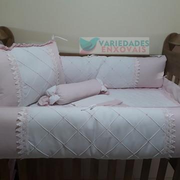 Kit de berço branco e rosa bebê detalhes em guippir branco