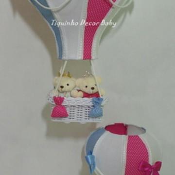 Conjunto lustre balão e abajur balão para gêmeos