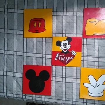 Quadros para quarto infantil - Mickey