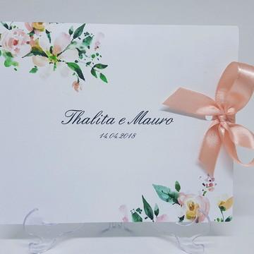 Convite de casamento floral suave