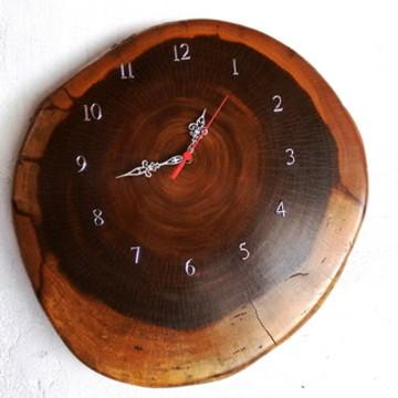 Relógio Rústico de Madeira