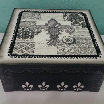 Caixa Flor de Liz preto e branco