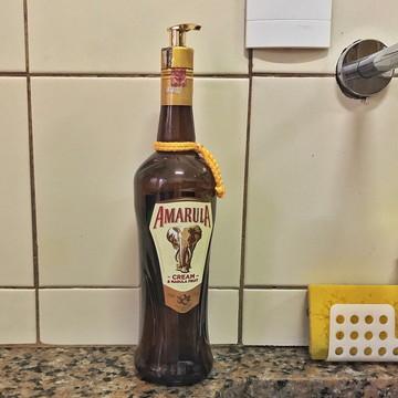 Saboneteira de garrafa Amarula | Válvula dourada