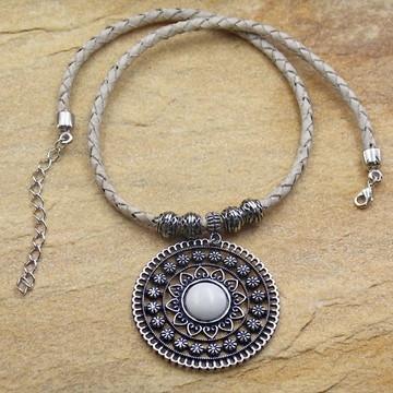 Colar de couro mandala feminino com pedra bijuterias