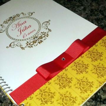 Caderno Assinatura - 15 anos - Dourado e vermelho