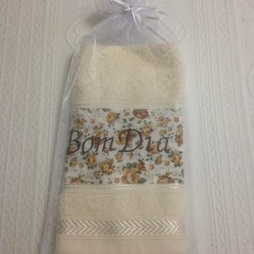 toalhas lavabo bordada