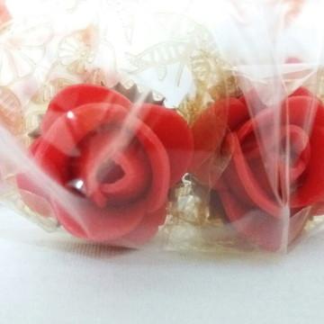 Rosas vermelhas confeccionadas de leite em pó