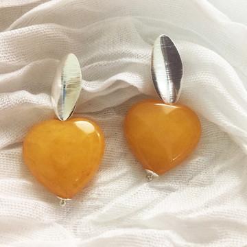 Brinco Coração de Jade Amarelo Folheado a Prata