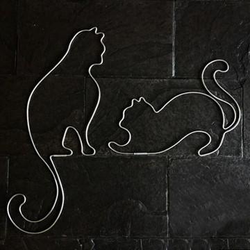 Gatinhos (em arames) para parede