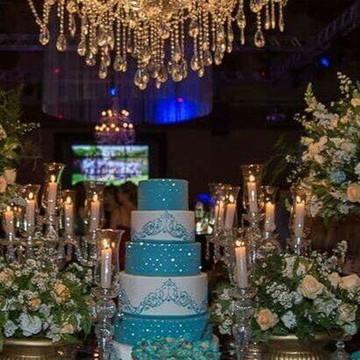 Bolo Azul Tiffany com rendas e Strass - Locação