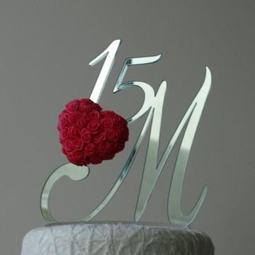 Monograma 15 anos com rosas biscuit
