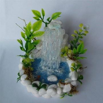 Cachoeira miniatura