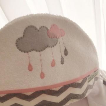 Toalha de Capuz Nuvens Cinza e Rosa