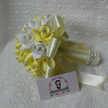 Buquê amarelo e branco para pré Wedding