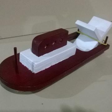 Barco com Movimento - Madeira Colorida