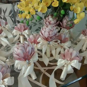 Mini bouquet madrinhas de conchas cor rosa