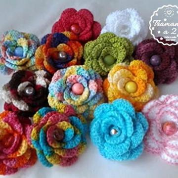 Acessório Flores de crochê para cabelo