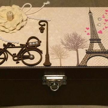 Caixa decorada tema Paris