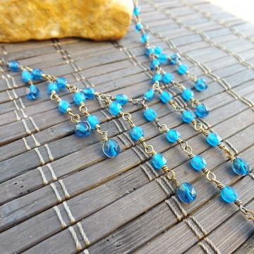 colar de franjas azul