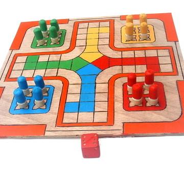 Jogo de Ludo - Brinquedos educativos - Tabuleiro em madeira