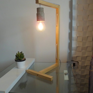 Abajur luminaria slim em madeira e concreto