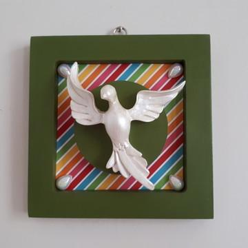 Divino em quadro de mdf verde finalizado com papel colorido