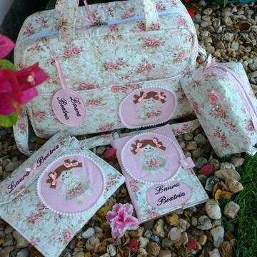 Bolsa de maternidade com kit higiene