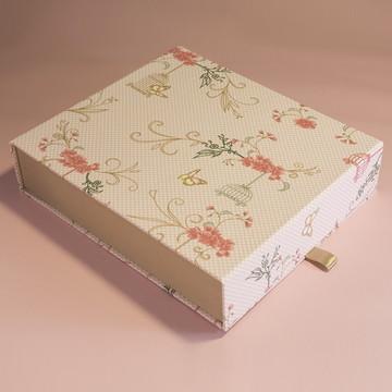 Caixa com Imã para Álbum - 27x24x6,5cm