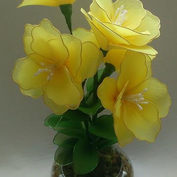 Arranjos de flores de meia de seda