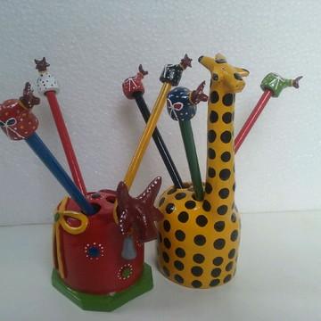 Girafa e boi porta-lápis