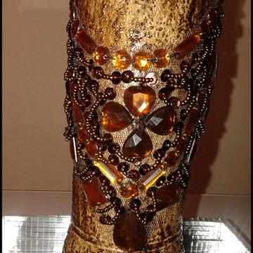 Garrafa Dourada com Pedraria