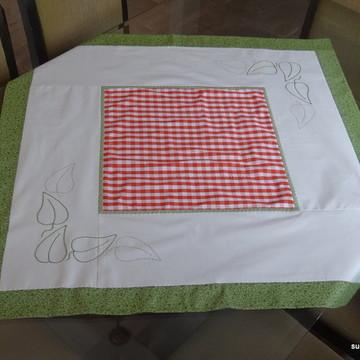 Toalha de mesa folhas bordadas