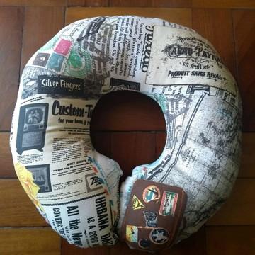 Kit Viagem - almofada de pescoço + máscara de olhos